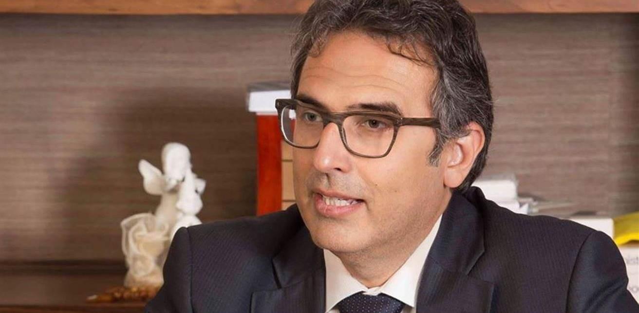 آلان بيفاني استقال بسبب اعتراضه على تعاطي السياسيين اللبنانيين مع الأزمة المالية