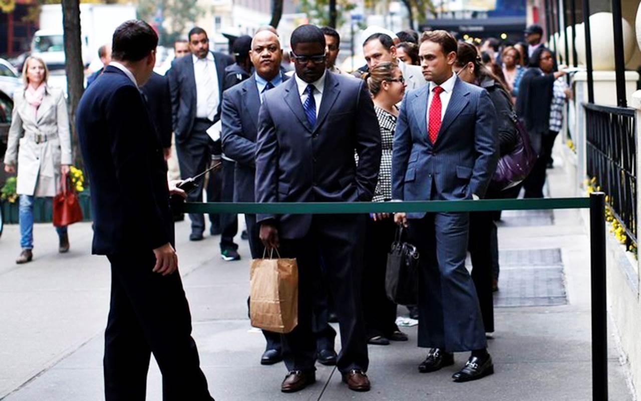 عدد العاطلين عن العمل يتجاوز  الـ42 مليون شخصٍ في أميركا
