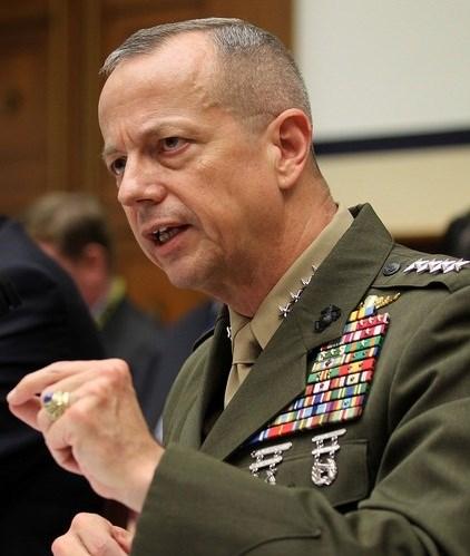 جنرال سابق: تهديدات ترامب قد تكون بداية النهاية للتجربة الأميركية