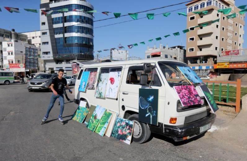 شاحنة للفن تضفي لوناً على الحياة في غزة