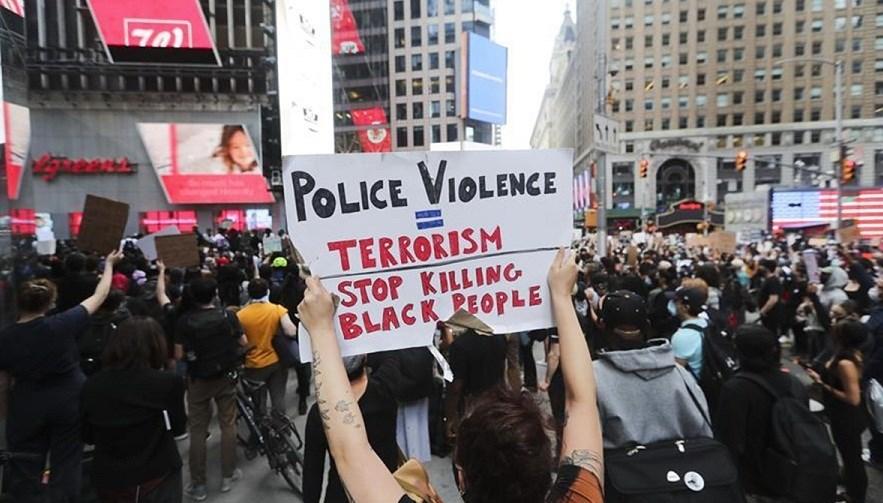 مشاهد جديدة.. وأكثر من 10 آلاف معتقل خلال الاحتجاجات في الولايات الأميركية