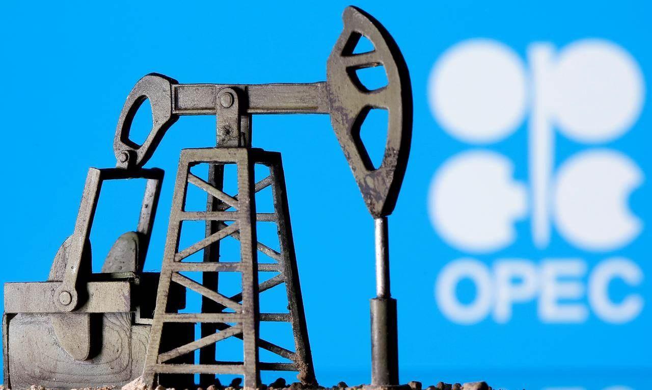 """""""أوبك+"""" تقرر تمديد تخفيضات قياسية في إنتاج النفط"""