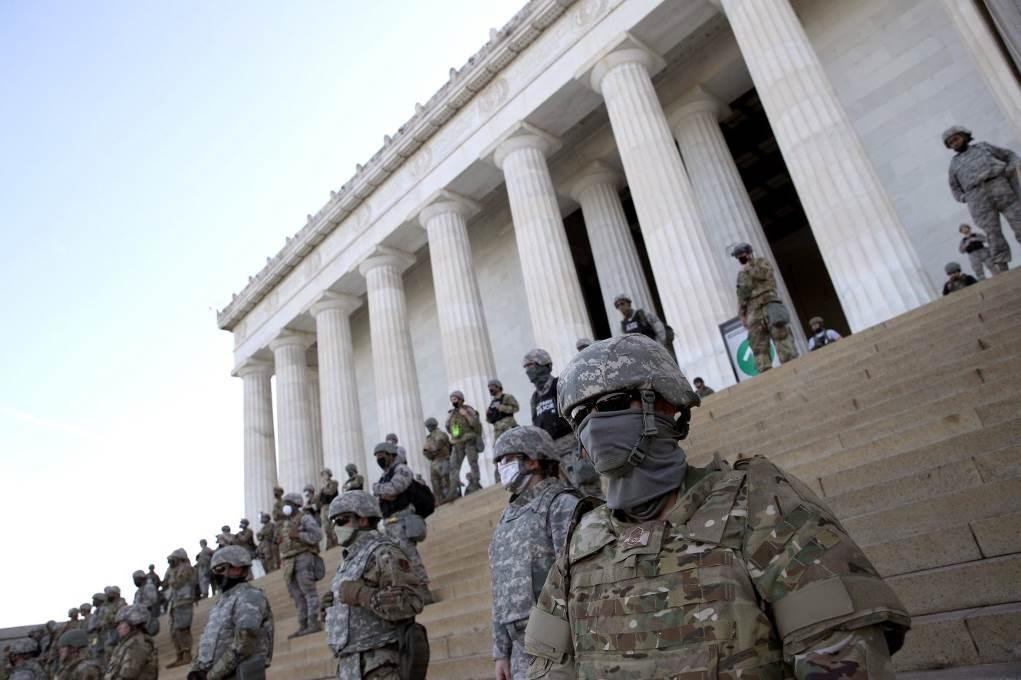 أميركا: عنف الشرطة متواصل وخلاف سياسي حول نشر القوات العسكرية في المدن