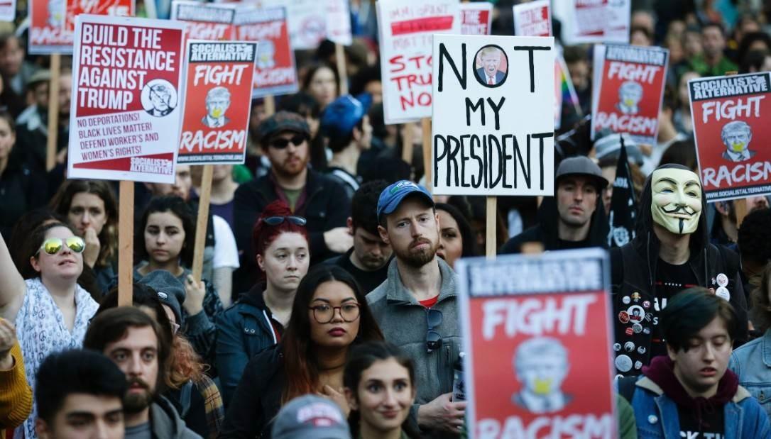 """أميركا ضد أميركا.. """"حقوق التعبير"""" ليست واحدة!"""