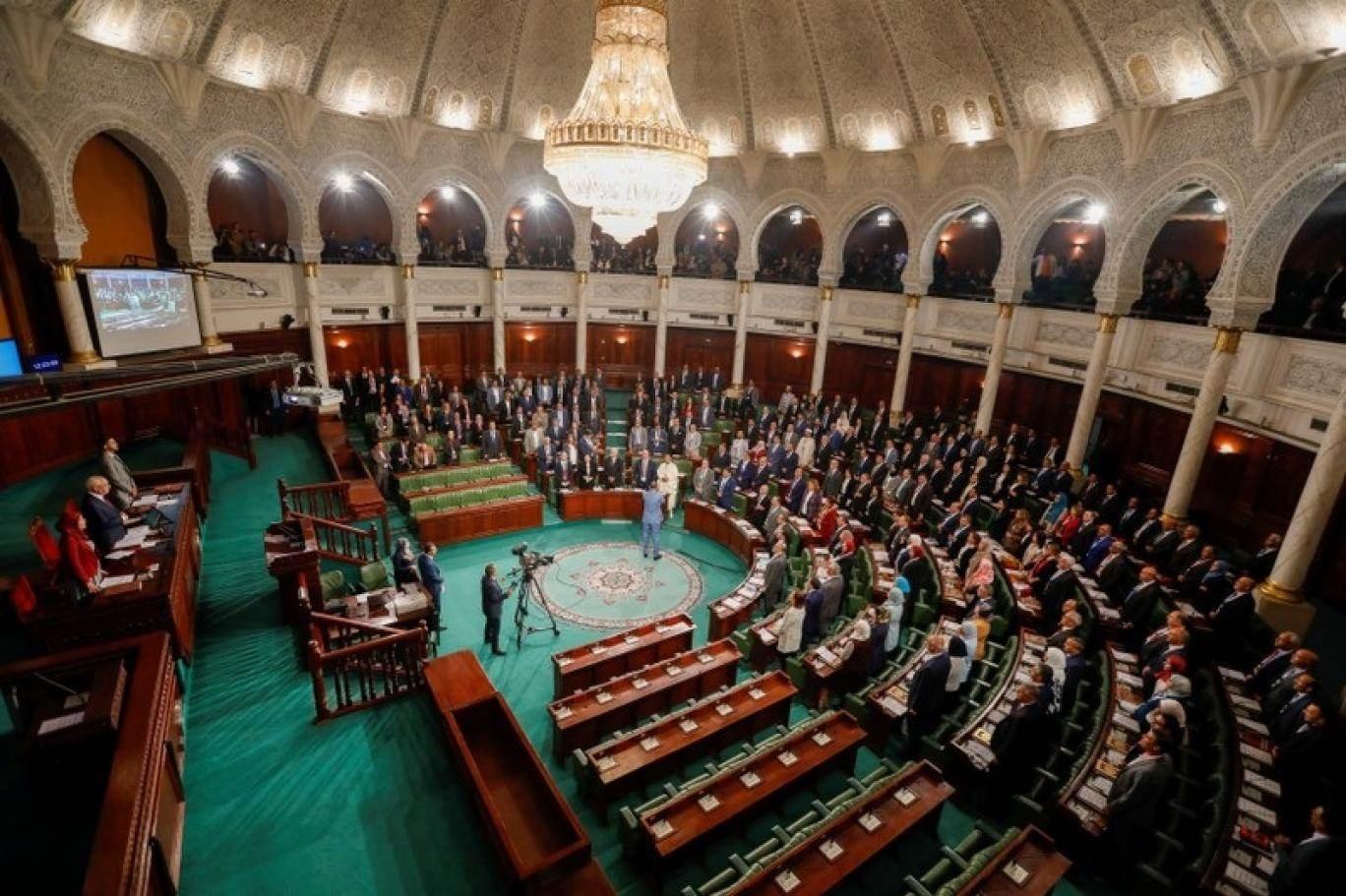 التصويت على لائحة رفض التدخل الأجنبي في ليبيا يزعزع الائتلاف الحكومي التونسي