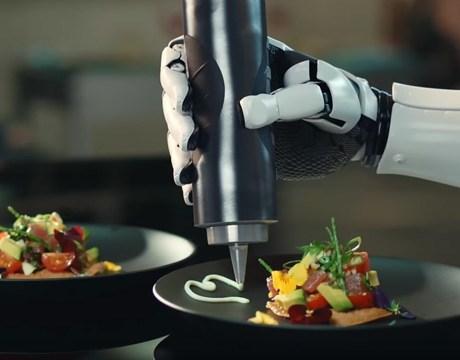 هل سيأخد الروبوت مكان الشيف في المطبخ؟