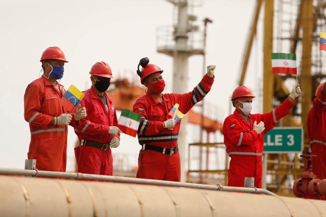 رسالة من موظفي الشركة الوطنية لناقلات النفط إلى السيد خامنئي.. ماذا تضمنت؟