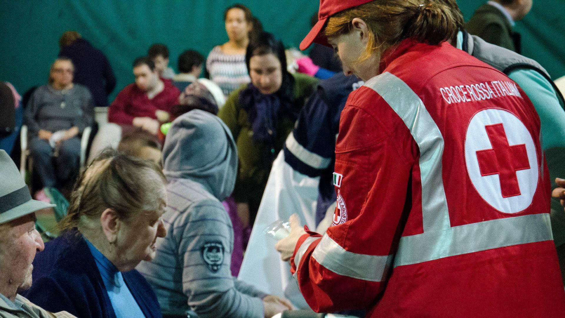 الصليب الأحمر: تدفع القارة الأميركية الثمن الأعلى لسياسات خلافية لا تتبع آراء المجتمع العلمي