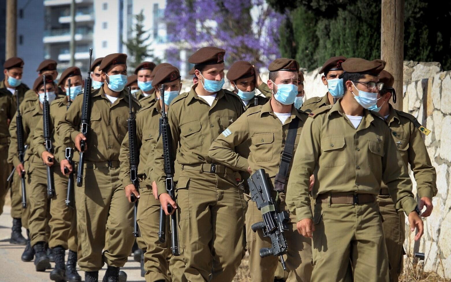 350 إصابة جديدة بكورونا في الجيش الإسرائيلي في يوم واحد