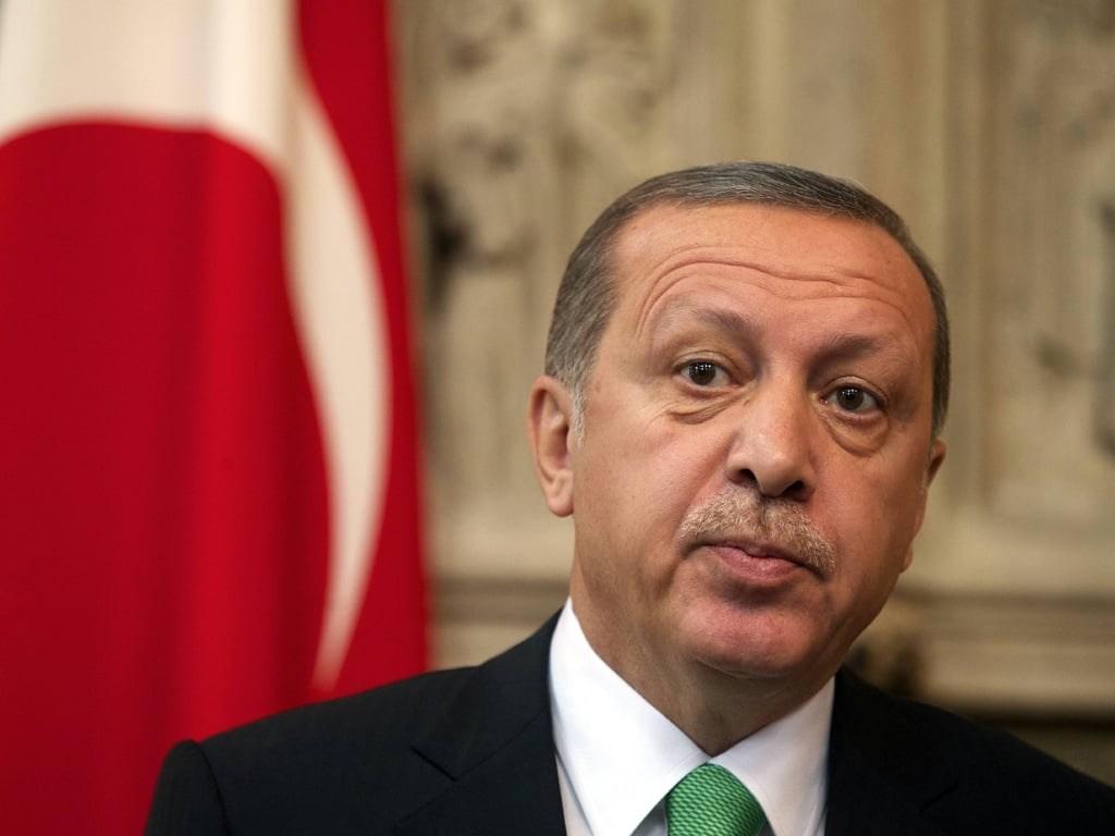 إردوغان يدافع عن قراره بشأن