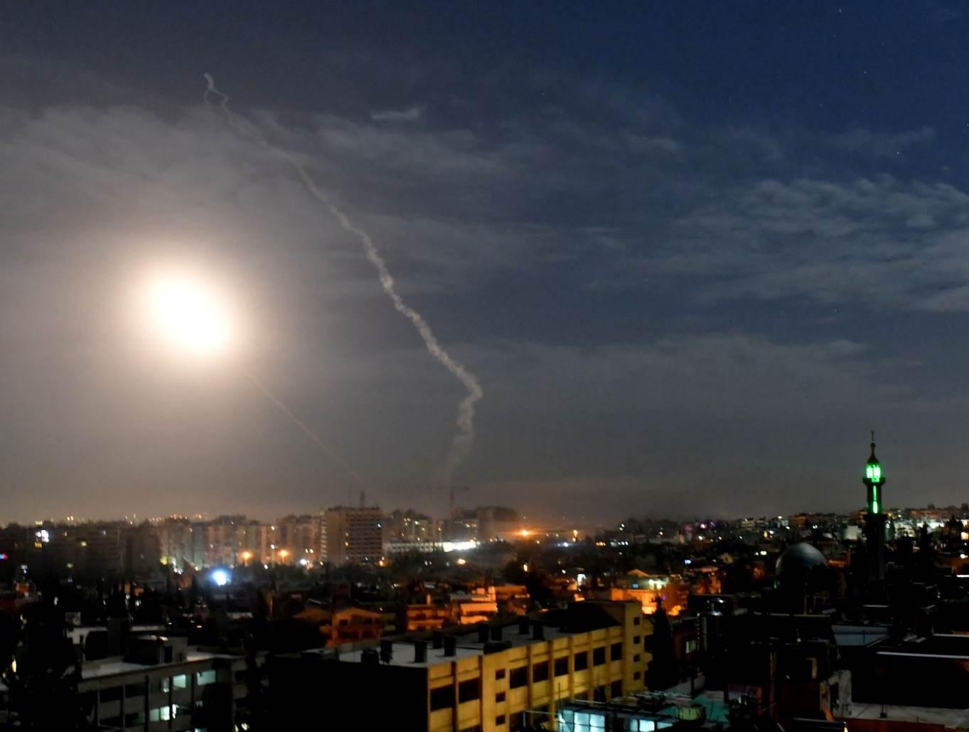 صورة لإحدى الاعتداءات الإسرائيلية الجوية على سوريا