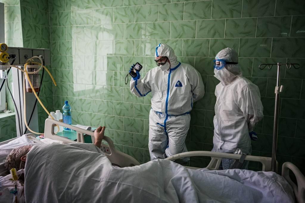 وحدة العناية المركزة لفيروس كورونا في مستشفى فينوجرادوف السريري في موسكو (أ ف ب).