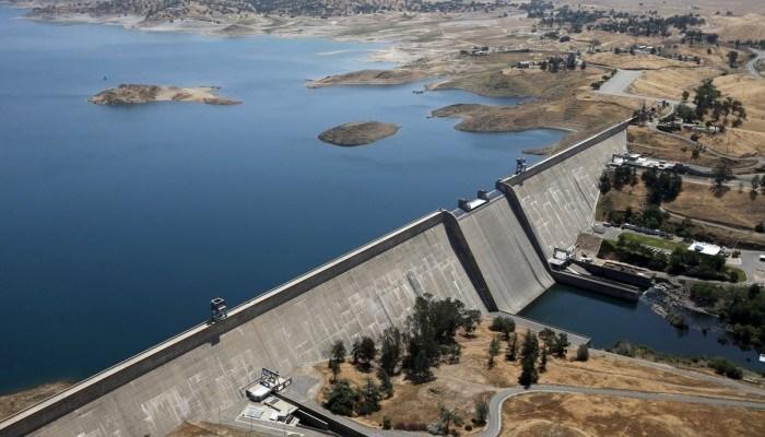 تخشى مصر أن يؤثر سد النهضة الذي تبنيه إثيوبيا على النيل الأزرق على حصة مصر من المياه
