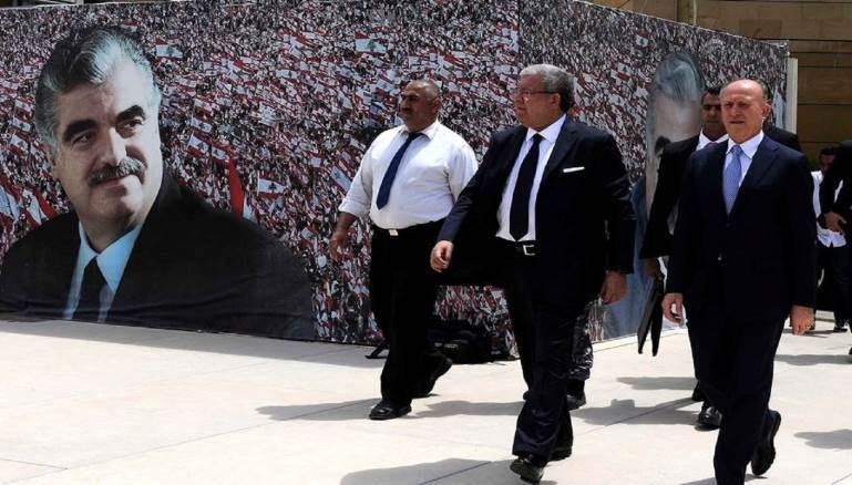 الوزيران السابقان أشرف ريفي ونهاد مشنوق (أرشيف)