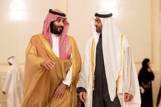السّعودية والإمارات تجمعان عملاءهما في