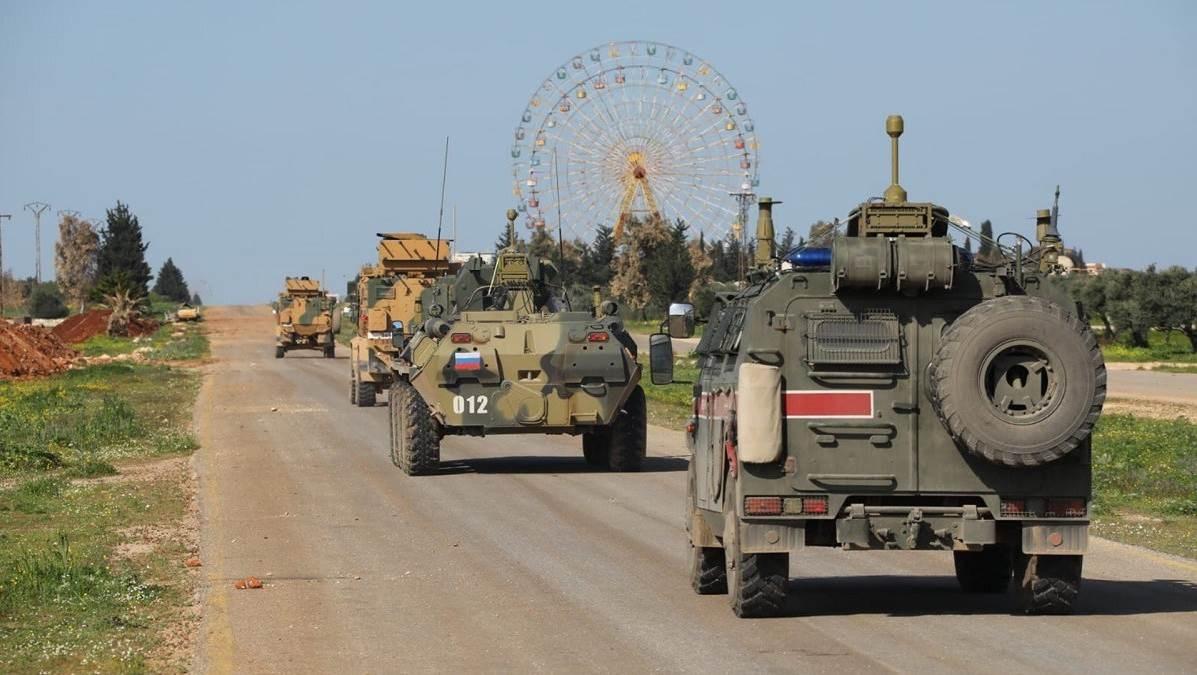 اصابة جنود روس واتراك في تفجير استهدف دوريتهم جنوب ادلب