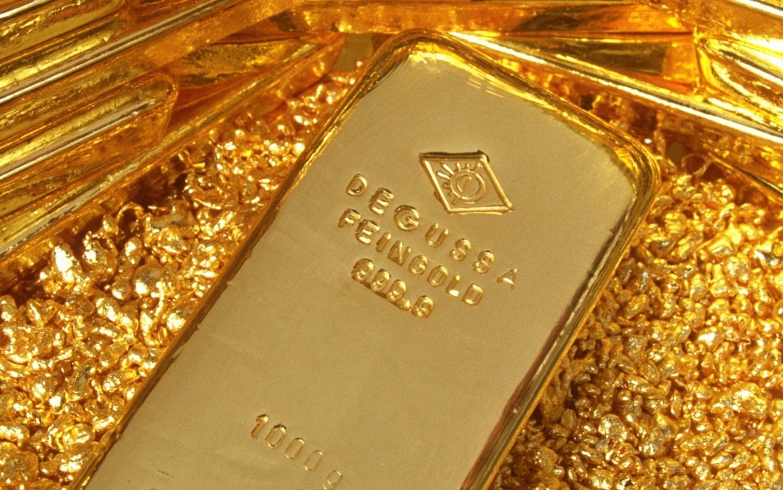 أسعار الذهب إلى انخفاض مع ارتفاع سعر الدولار
