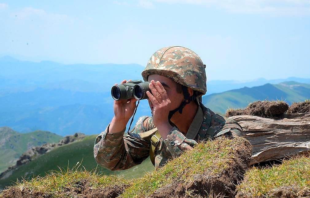 الجيش الأذربيجاني يحذر أرمينيا من قصف محطة الطاقة الذرية