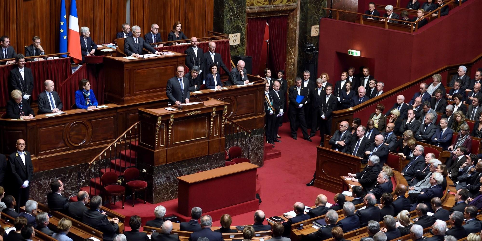 برلمانيون فرنسيون يطلبون من ماكرون الاعتراف بـ