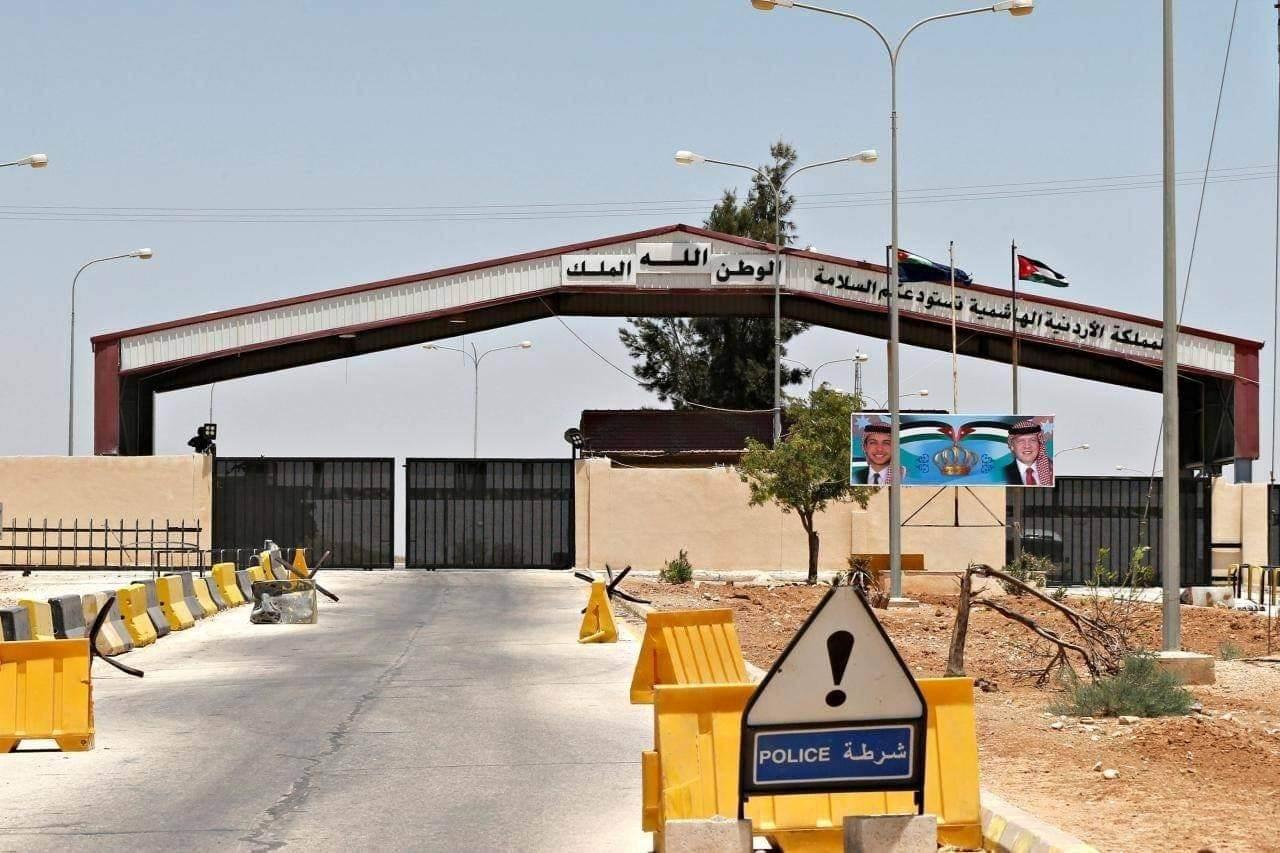 عدد البرادات التي من المقرر أن تعبر إلى الأردن اليوم يبلغ 65 براداً
