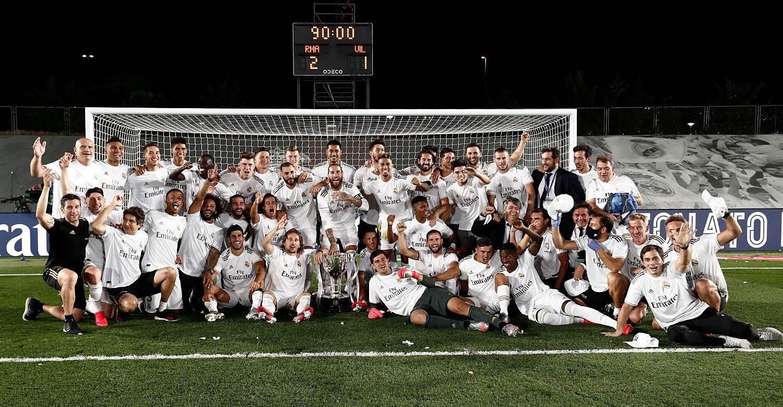 لاعبو ريال مدريد يحتفلون باللقب