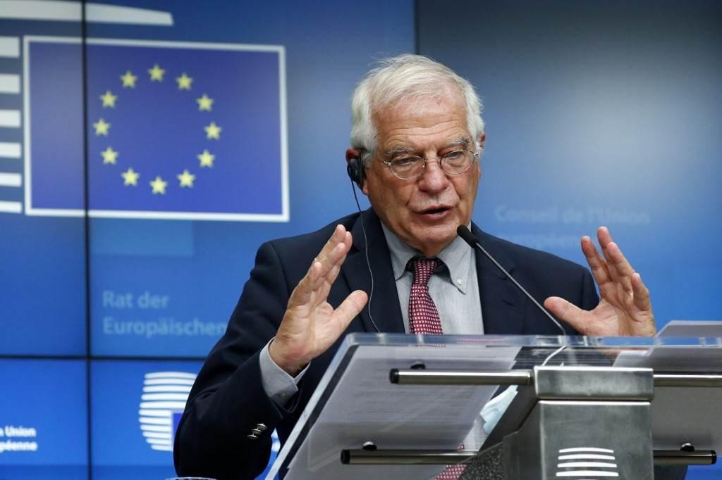 بوريل يتحدث خلال مؤتمر صحفي عقب اجتماع مجلس الشؤون الخارجية للاتحاد الأوروبي في بروكسل (أ ف ب).