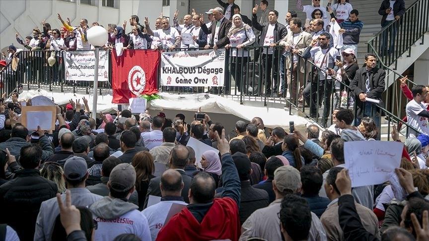 حاملو شهادة الدكتوراه العاطلون عن العمل يبدأون اعتصاماً مفتوحاً في تونس