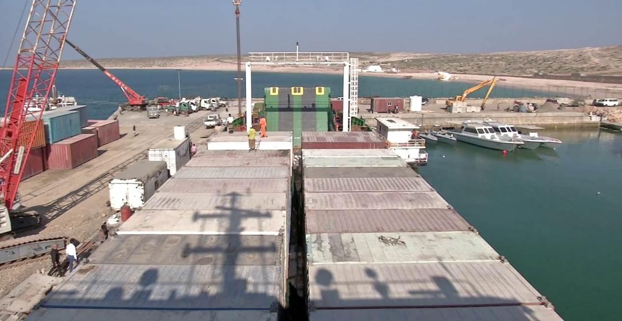 قوات هادي انسحبت من ميناء سقطرى