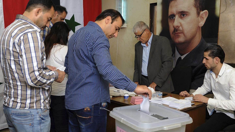 الحكومة السورية توفر متطلبات إنجاح العملية الانتخابية من خلال توفير معايير صحية لمواجهة كورونا