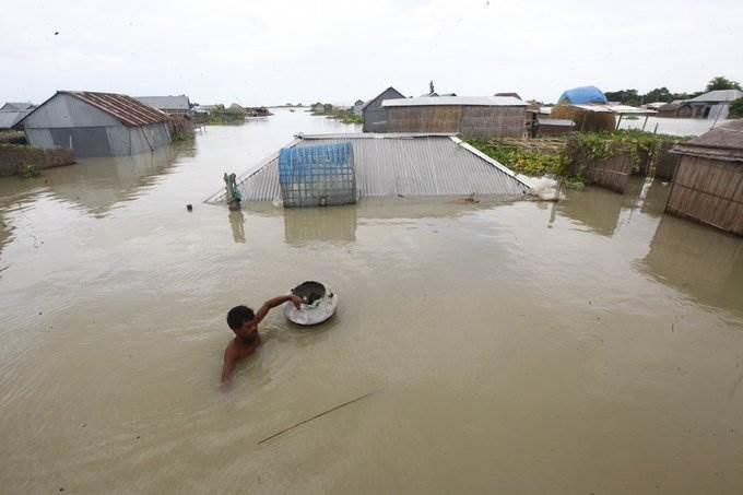 67 شخصاً على الأقل قضوا في بنغلادش وتضرر 2,6 مليون بالفيضانات