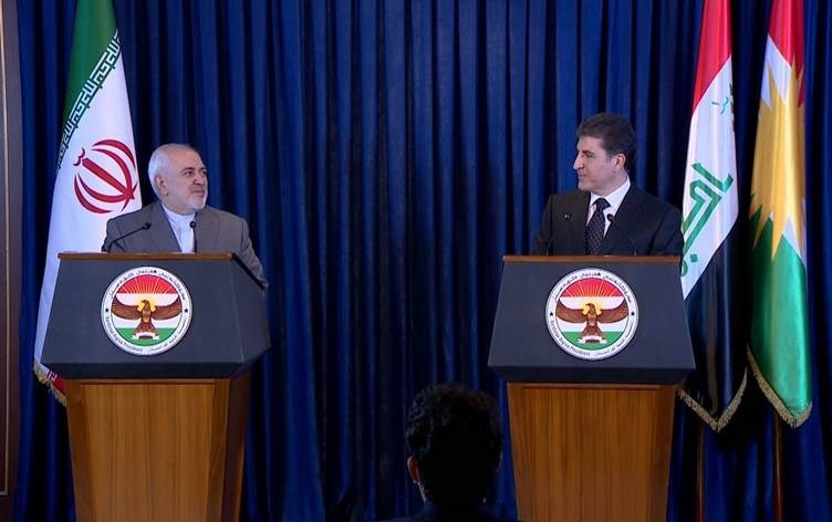 رئيس إقليم كردستان نيجيرفان بارزاني وظريف في مؤتمر صحافي مشترك