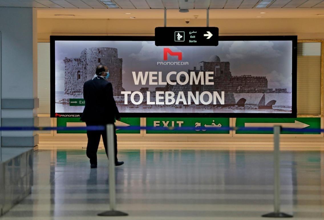 مطار بيروت الدولي فارغاً عند اعادة افتتاحه بداية تموز/يوليو الجاري (أ.ف.ب)
