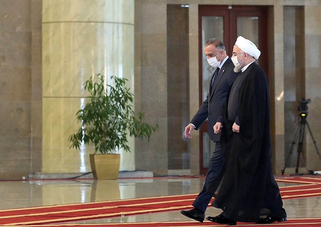 روحاني والكاظمي خلال لقائهما اليوم في طهران (أ.ف.ب)