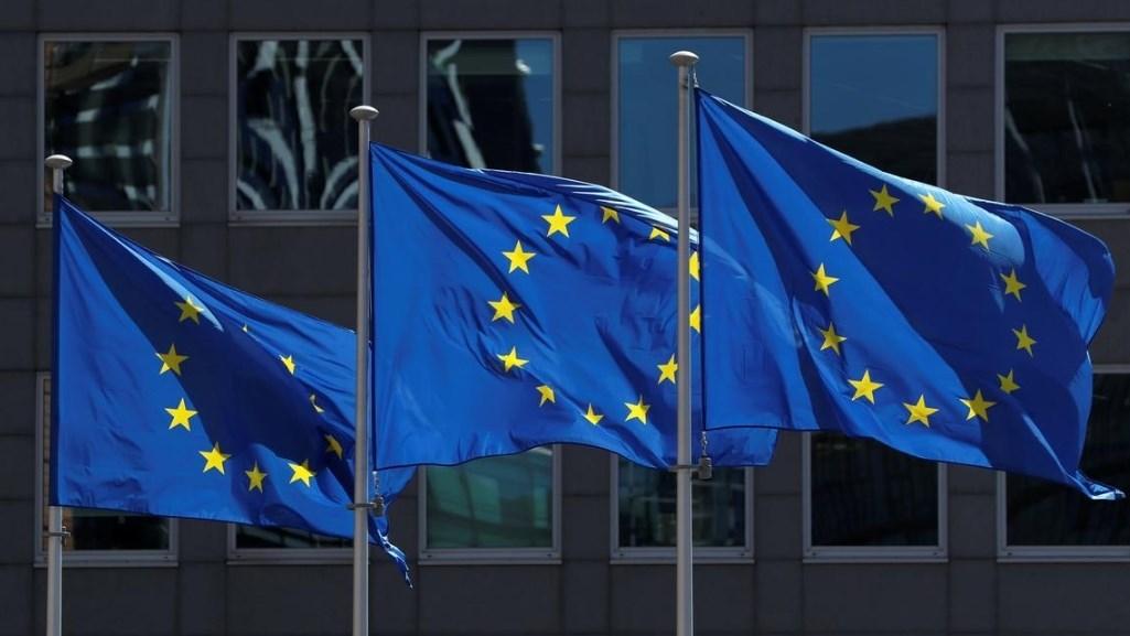 الاتحاد الأوروبي يدعو لرفع العقوبات الأميركية عن بضائعه.. وتحذيرٌ من أخرى مضادة