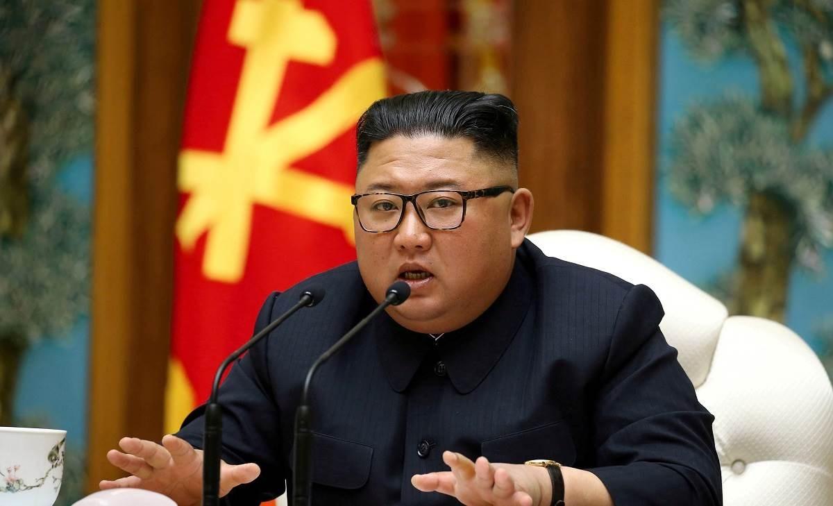 كيم جونغ أون يأمر المسؤولين بالحفاظ على الانضباط التنظيمي الصارم بدقة لتصدي لفيروس كورونا