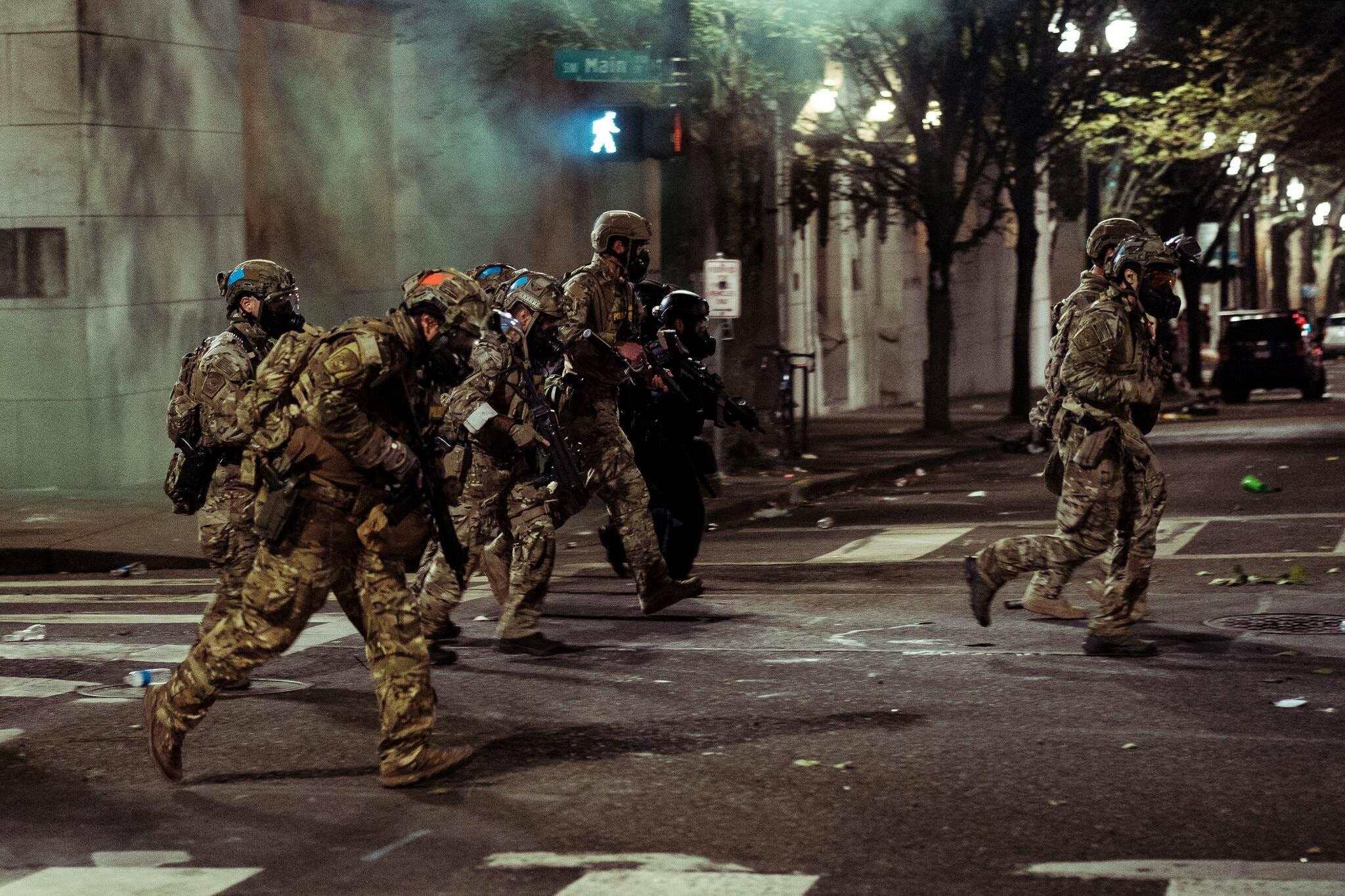 قوات فيدرالية ضد المتظاهرين في بورتلاند