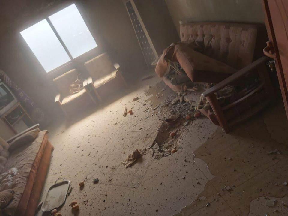 مشاهد لآثار القصف الاسرائيلي الذي استهدف منزلاً في بلدة الهبارية