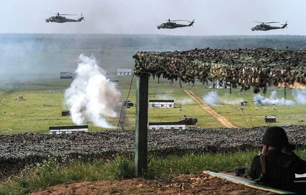 القوات المسلحة الروسية تكمل فحص الاستعداد القتالي المفاجئ (صورة أرشيفية).