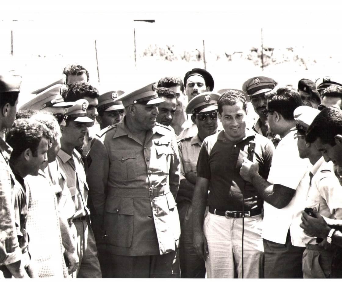 صور من أرشيف الدكتور مانوغيان مع الرئيس اللبناني فؤاد شهاب وممثلي الجيش اللبناني