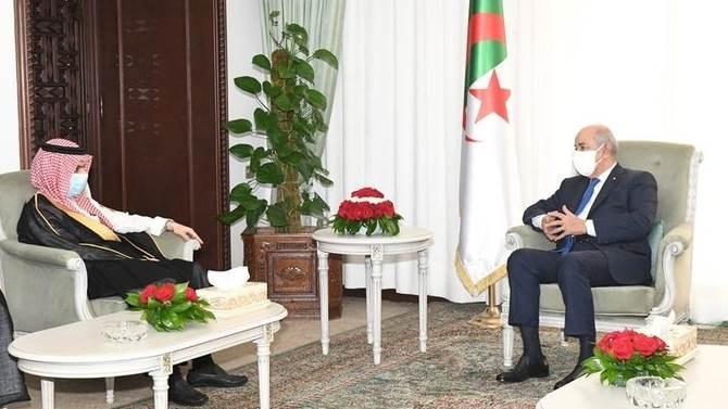 وزير الخارجية السعودي فيصل بن فرحان خلال لقائه الرئيس الجزائري عبد المجيد تبّون
