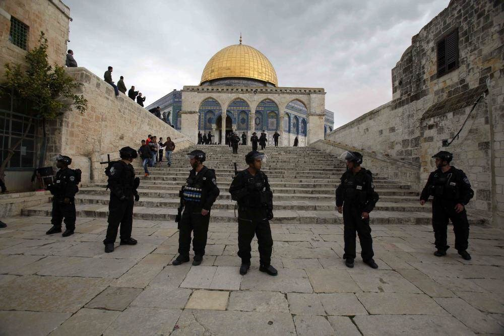 وزير الزراعة الإسرائيلي يقتحم المسجد الأقصى بصحبة مستوطنين.. ومسيرة فلسطينية يوم غد