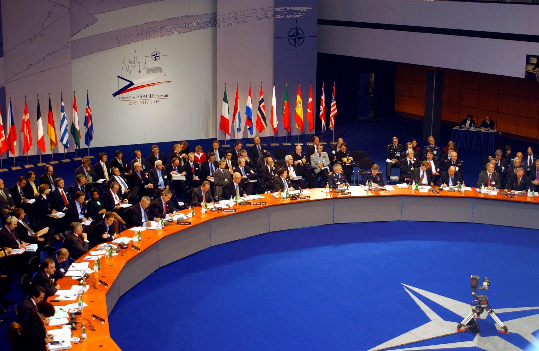 الأمين العام للناتو: بينما نواجه عالماً لا يمكن التنبؤ به، نكون أقوى وأكثر أماناً عندما نقف معاً