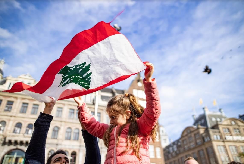 الاقتصاد اللبناني المنهار دفع أكثر من نصف مليون طفل في بيروت إلى الكفاح من أجل الحياة أو إلى الجوع