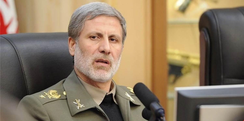 العميد حاتمي: الأميركيون سيمنون بالهزيمة على يد الشعب الإيراني هذه المرة