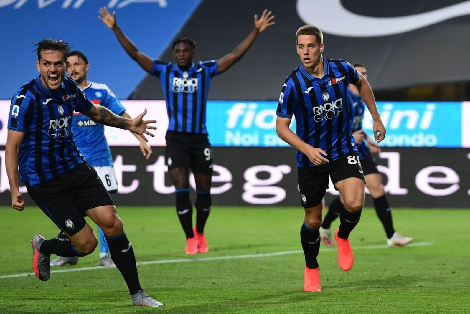 فاز أتالانتا على نابولي 2-0