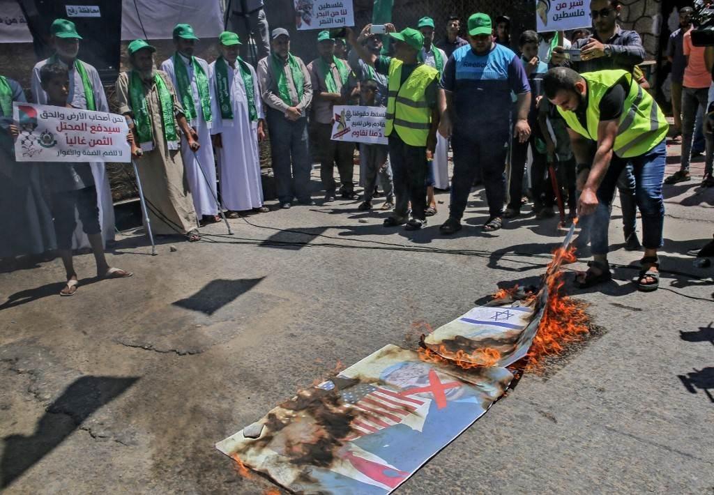 مراسل الميادين: الشارع الفلسطيني في قطاع غزة تلقّف بالكثير من الترحيب والإيجابية اللقاء بين العاروري والرجوب