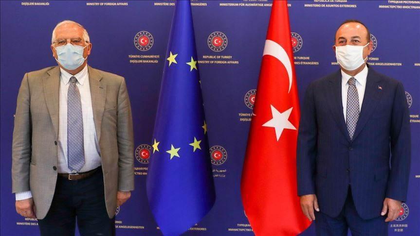 وزير الخارجية التركي مولود جاويش أوغلو ومسؤول السياسة الخارجية بالاتحاد الأوروبي جوزيب بوريل - أنقرة (AFP)