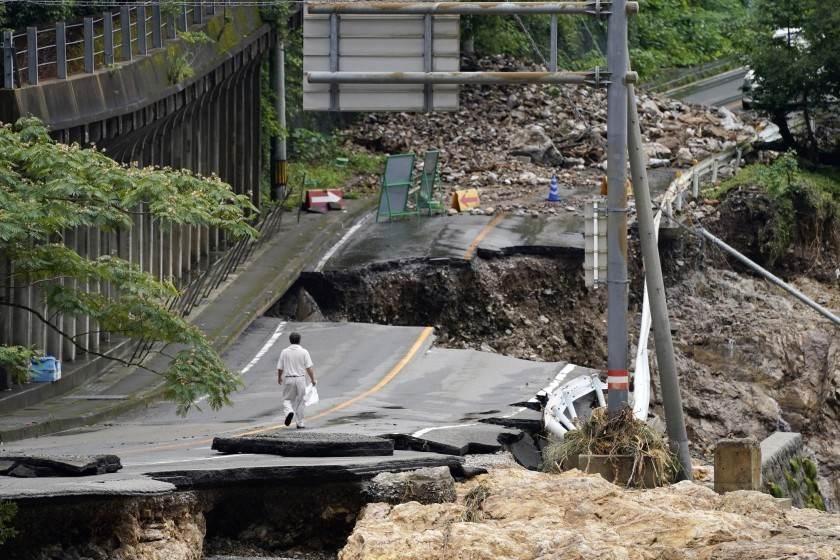 تعتبر أندونيسيا من المناطق الأكثر نشاطاً بالزلازل على الأرض