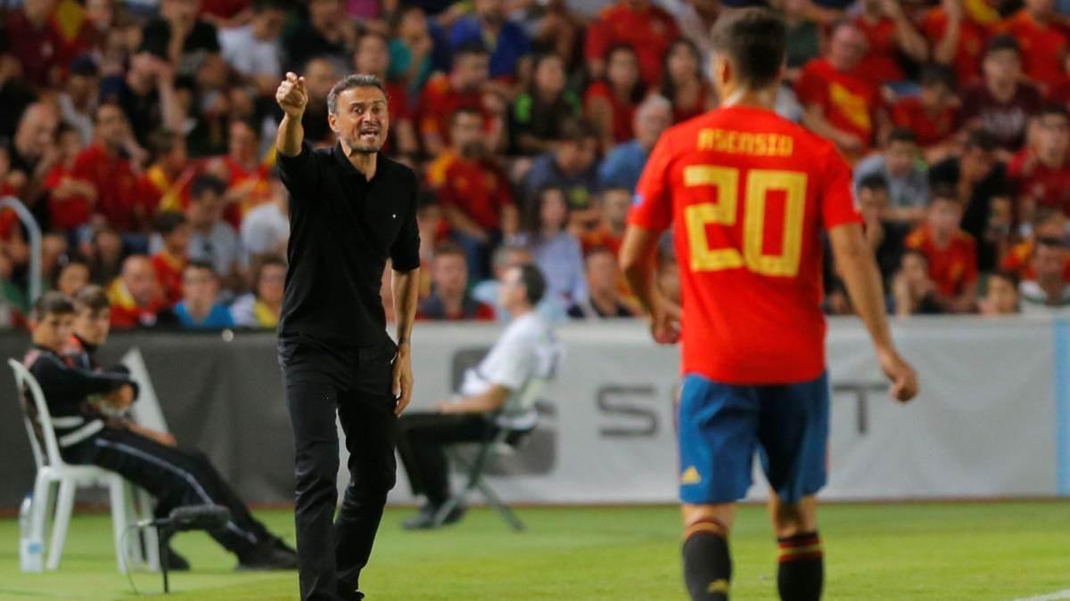 لويس إنريكي مدرب منتخب إسبانيا (أرشيف)