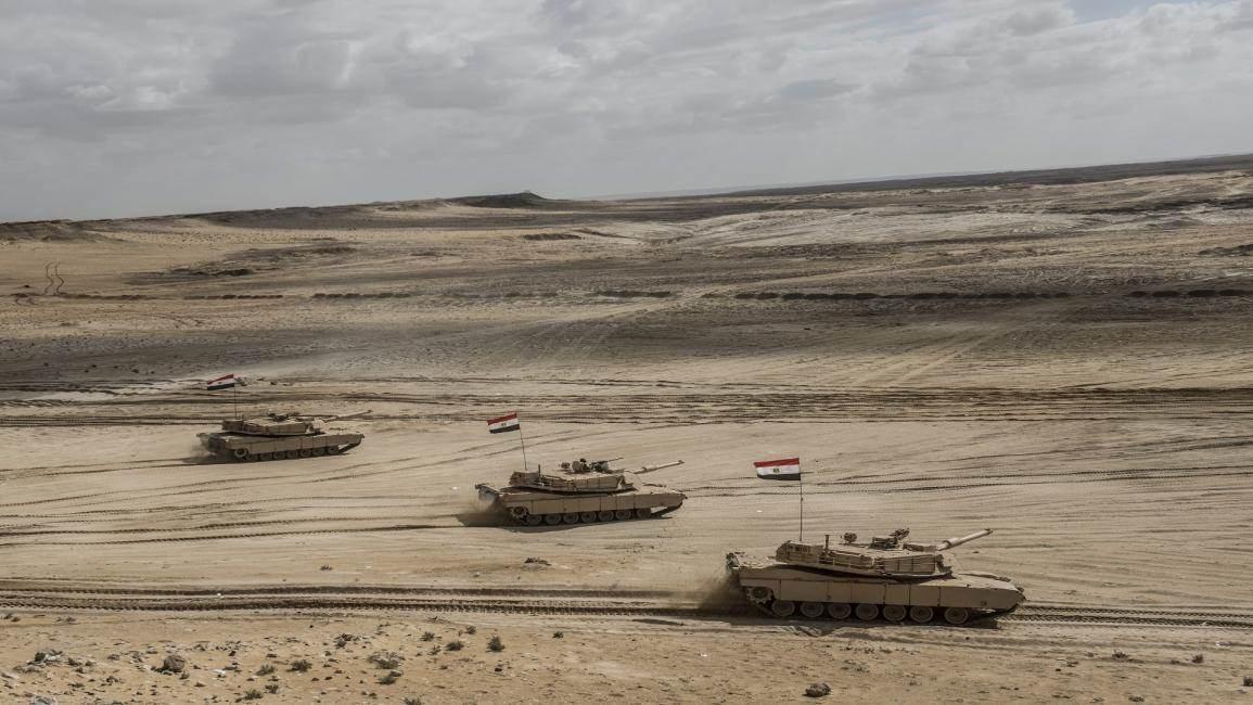 مناورات مصرية شاملة على الحدود المتاخمة لليبيا (فرانس برس)